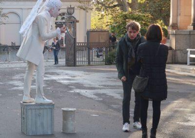 Walkact lebende Statue